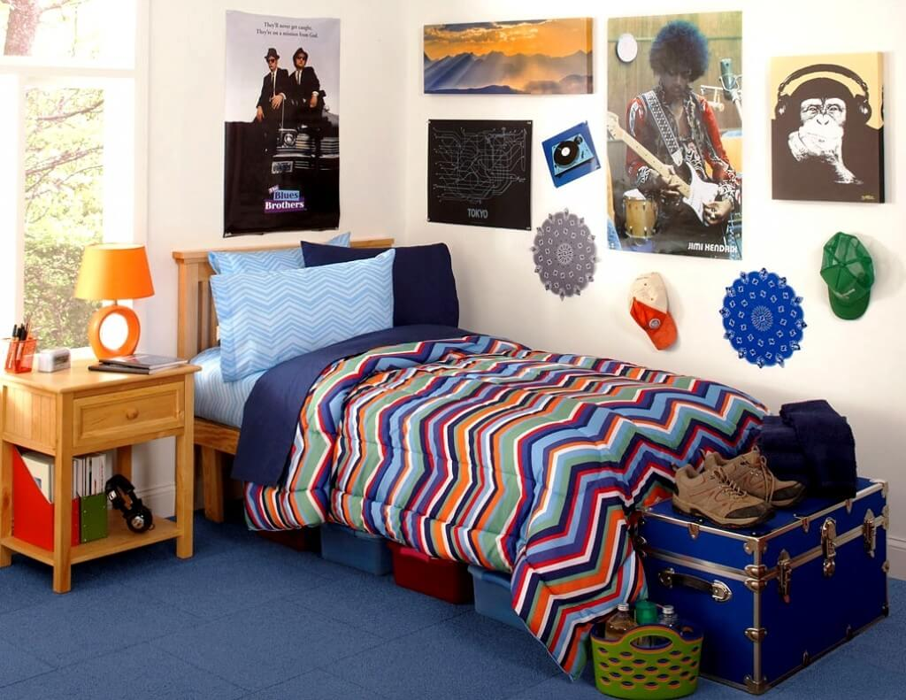 inspiring-cool-boy-bedroom-ideas-with-wooden-coffee-table-and-awesome-colorful-kids-single-bed-also-with-pictures-and-rug