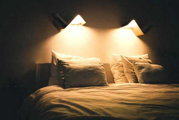 Sự kết hợp của 2 LiliLite cho phép bạn tạo ra những ánh sáng vô cùng thú vị trước khi ngủ.