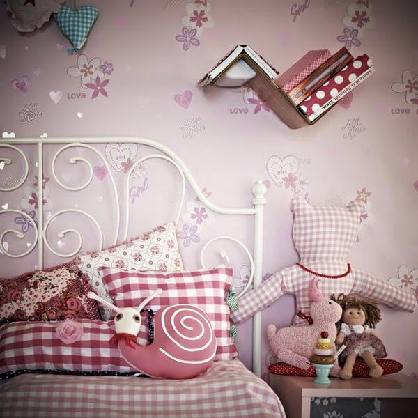 ...và những phòng ngủ đặc trưng cho trẻ em.