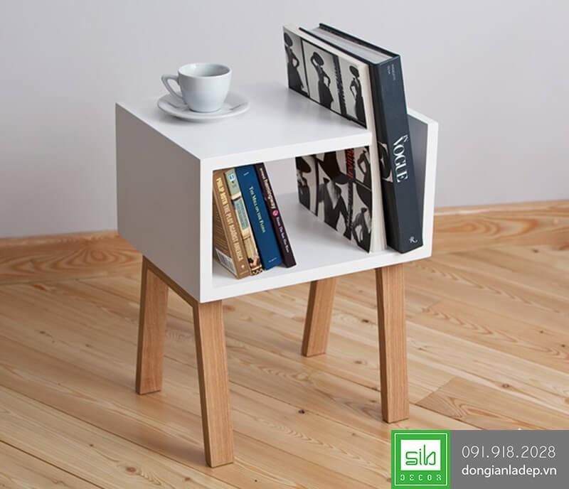 Kệ có thể để được rất nhiều sách và kết hợp làm bàn trà nhỏ