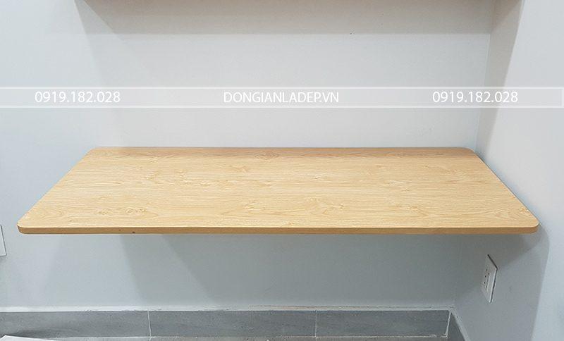 Bàn treo tường BT102-M màu vân gỗ Sồi đơn giản