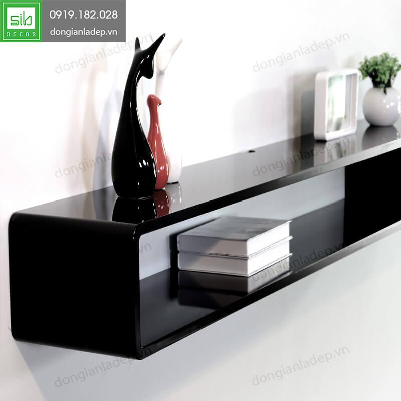 Màu sơn đen bóng của kệ TV104