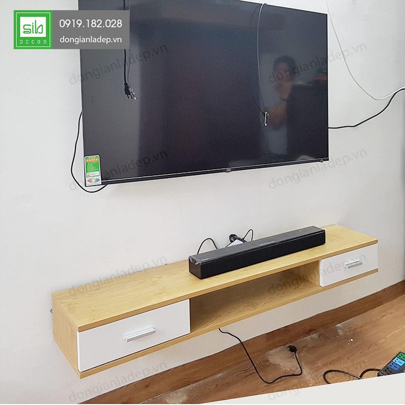 Kệ tivi treo tường dài 150cm