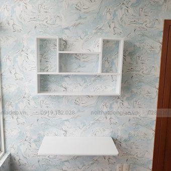 Bàn gấp treo tường màu trắng cùng kệ sách KT182 phong cách