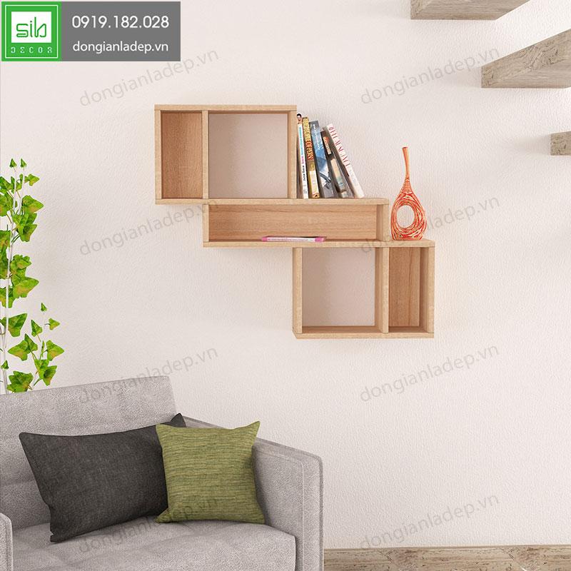Kệ KT150 màu vân gỗ nổi bật giữa phòng khách