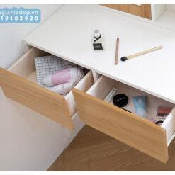 Các ngăn kéo của bàn trang điểm quá đủ dùng.