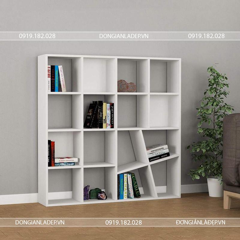 Kệ sách màu trắng nổi bật với những cuốn sách
