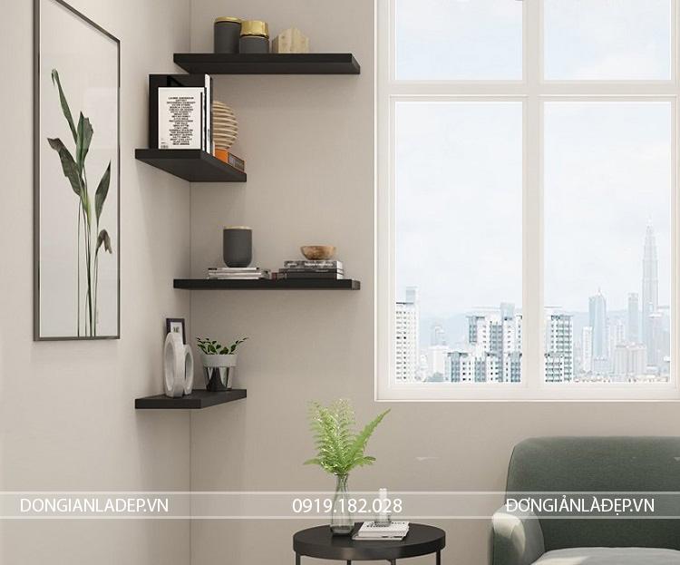 Tùy theo khoảng trống của góc tường và diện tích căn phòng, bạn có thể lựa chọn chiều dài kệ là 60cm hoặc 80cm.