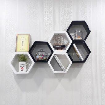 Kệ lục giác treo tường KT105 màu trắng và đen sơn 2K