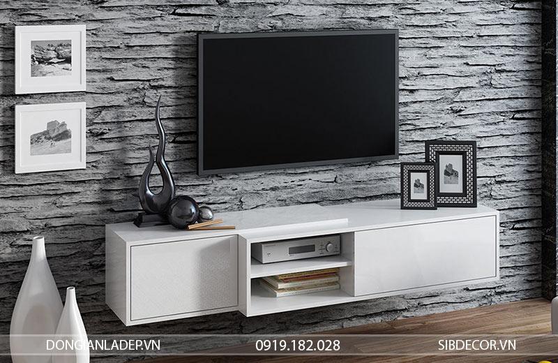 Kệ tivi TV19 màu trắng được treo lên tường.