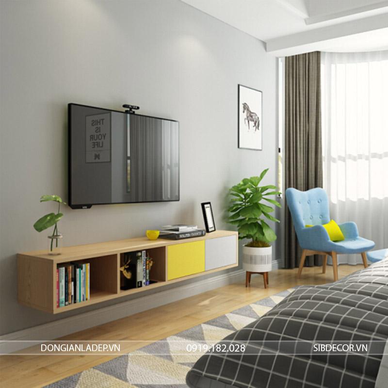 Chiếc kệ tivi nhỏ trong phòng ngủ