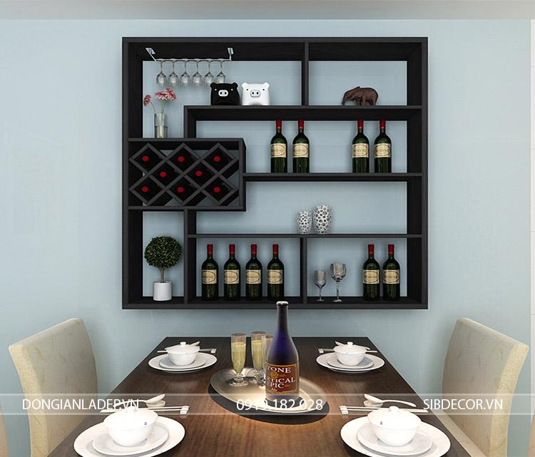Kệ rượu treo tường KR05 màu đen sang trọng