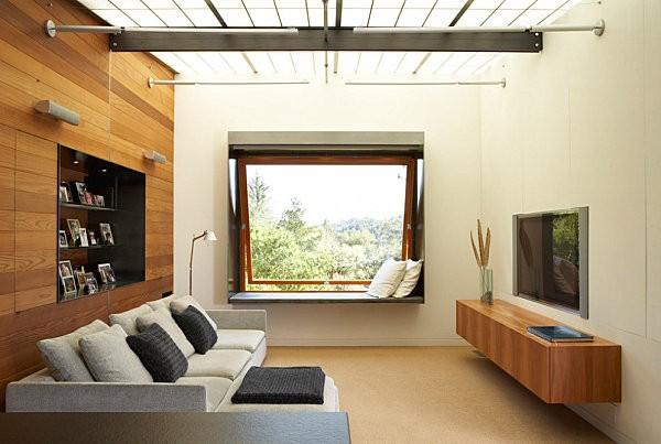 Màu vân gỗ là tông màu chủ đạo của căn phòng