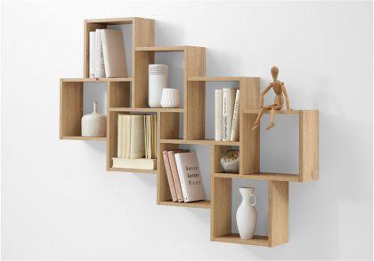 Mẫu kệ sách treo tường với thiết kế tinh tế, kết hợp từ các ô vuông