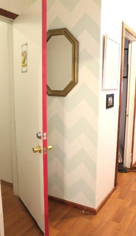 Phá cách cùng viền cánh cửa màu hồng