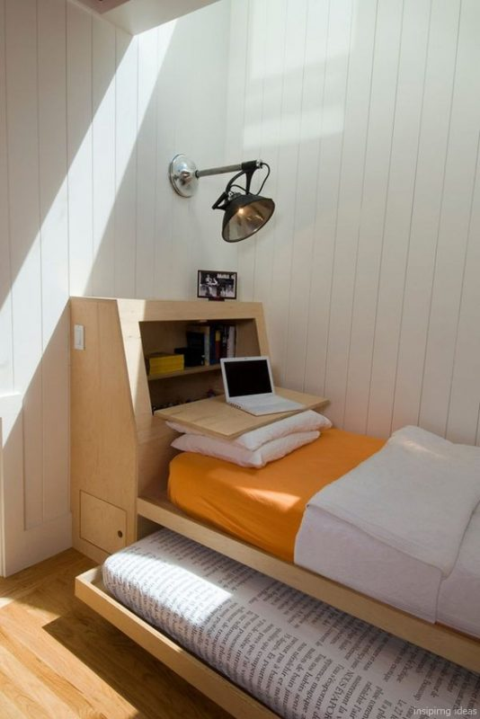 Phòng ngủ gọn gàng với chiếc giường đa năng