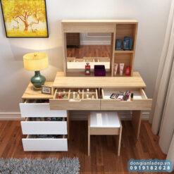 Bàn phấn thiết kế gồm 5 ngăn kéo cho khả năng để được rất nhiều đồ trang điểm