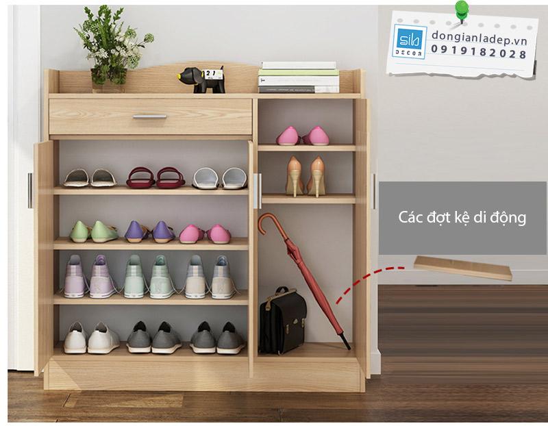 Các đợt kệ của tủ giày có thể di động, phù hợp với nhiều công năng sử dụng.