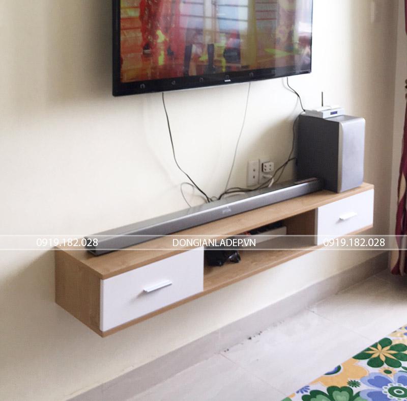 Hình ảnh thực tế sau khi lắp đặt kệ tivi treo tường (TV151)