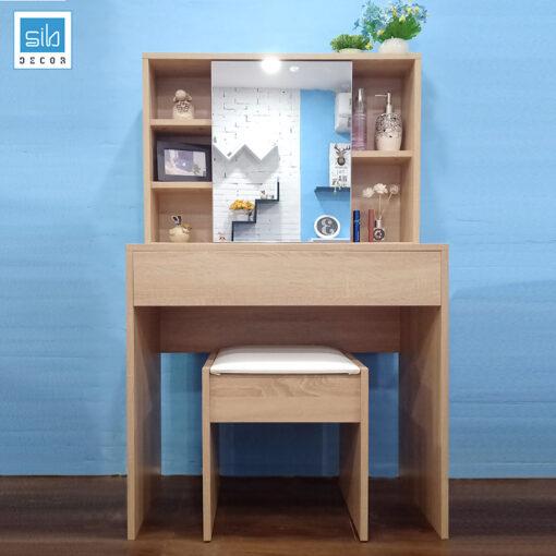 Hình ảnh chụp thực tế Full bộ bàn phấn kèm ghế trang điểm -Sản phẩm được trưng bày tại showroom