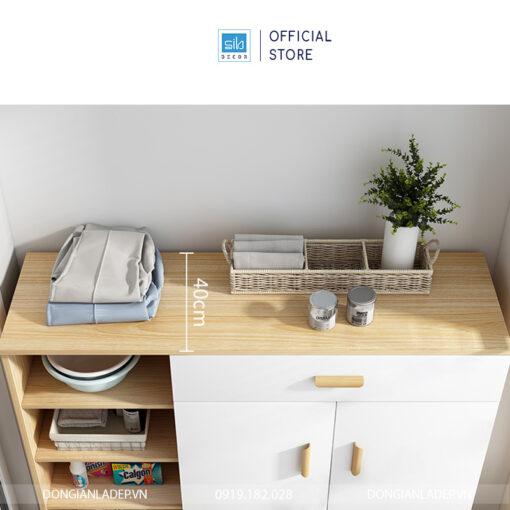 Với chiều rộng 40cm, chiếc tủ có thể để được mọi loại cỡ giày và nhiều đồ vật cỡ lớn