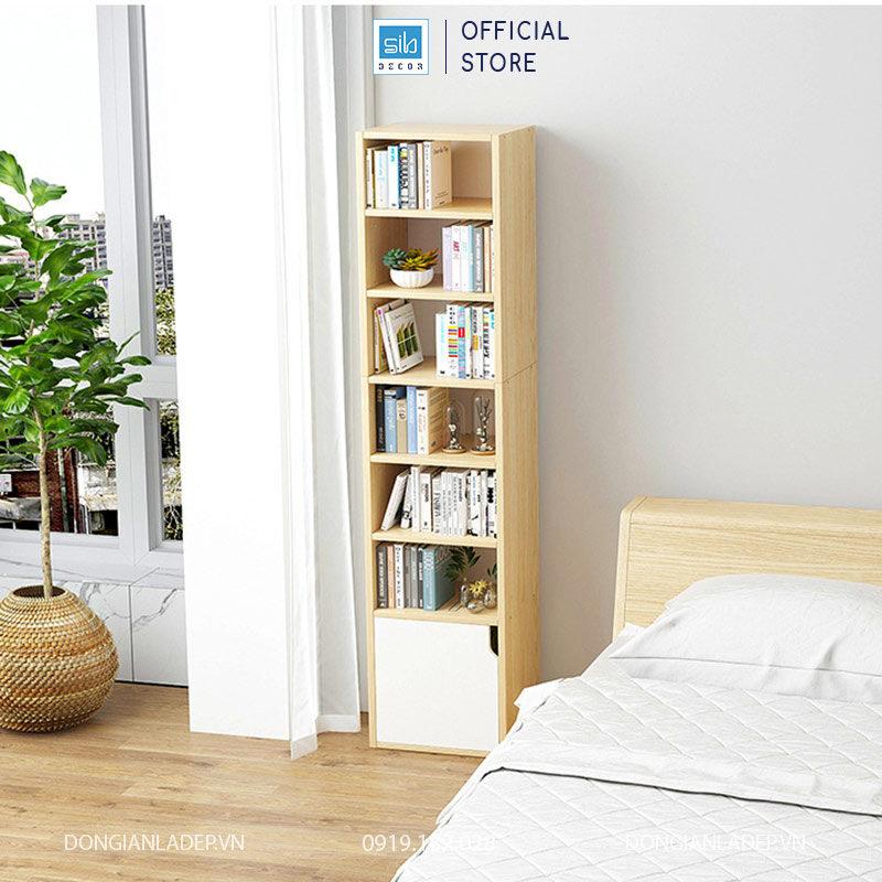 Chiếc kệ gỗ nhiều tầng đơn giản đặt tại phòng ngủ