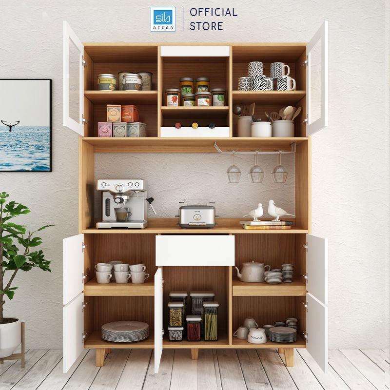 Tủ thiết kế nhiều ngăn tủ và được thiết kế có hệ giá treo ly inox 2 hàng và hệ kệ để rượu nằm (3 chai)